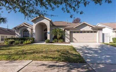 New 4 Beds 3 Baths Single Family Listing in CLERMONT!